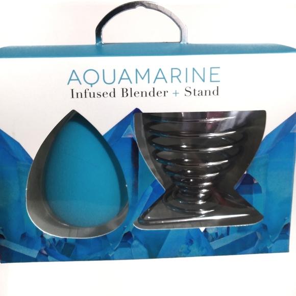 REVIVE AQUAMARINE CRYSTAL INFUSED BLENDER W/ STAND